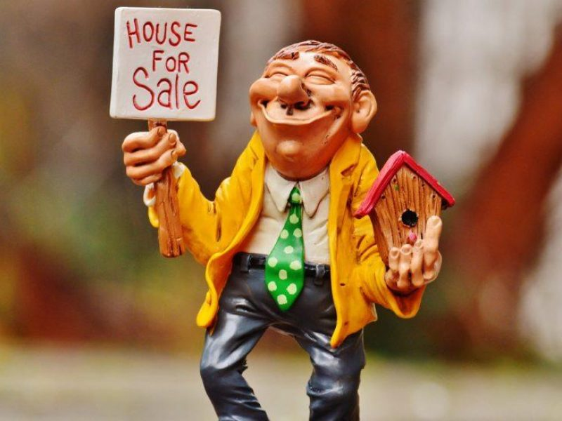 Getting Your House Ready to Sell (on a $300 Budget!)